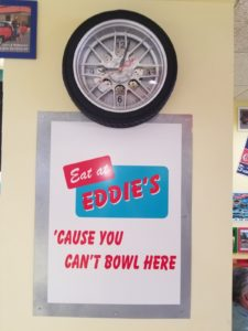 eat at Fast Eddies